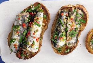 Сардины на тосте