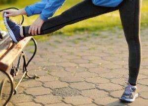 Упражнение на растяжку подколенного сухожилия