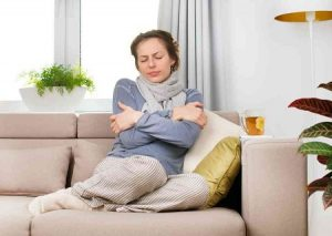Беременная женщина мерзнет